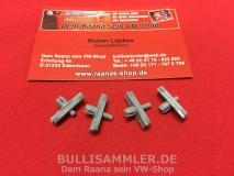 VW Käfer 1303, 4 Zierleistenclips für Seitenteile vorne (89-006)